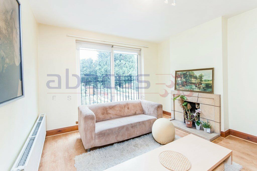 A Beautiful 2 x bedroom property in the heart of West Hampstead on 07473-792-649