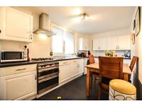 (Hot water and heating included!)Beautiful 2 bedroom apartment close to Kilburn Station!