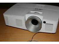 Acer X133PWH DLP 3D HD Projector for sale. Mint Condition