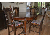 Early 1900 expanding circular dining table and 4 chairs