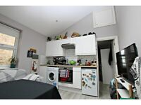 LUXURY ONE BED FLAT CLOSE TO ZONE 2 STATION - CALL RICCARDO NOW FOR VIEWINGS!!