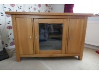 Oak Corner TV Stand in excellent condition
