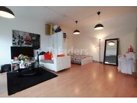 Fantastic large studio apartment warehouse conversion in Shoreditch- short let