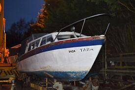 Eastwood 24 motor boat - engine just refurbished, ideal project