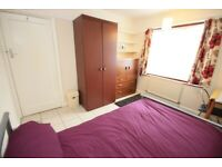 Great location close to transport and shops, available now!