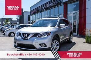 2015 Nissan Rogue SV AWD, TOIT PANO, CAMERA, MAGS *DEMONSTRATEUR