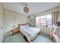 SW12 SPACIOUS THREE DOUBLE BEDROOM TOP FLOOR CONVERSION WITH GARDEN NEAR BALHAM TUBE ONLY £430PW
