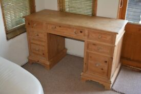 Traditional Solid Pine Desk Twin Pedestal 9 Drawer