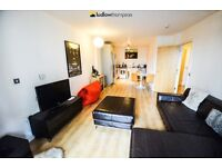 Spacious apartment - Private balcony - Seconds from DLR/Overground - Fully furnished