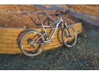 Giant Trance 27.5in Full suspension mountain Bike. Size XL. New Dec 2015.
