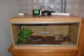 3ft Vivarium with accessories (heat mat, ceramic radiator, habi stat & digital microclimate)