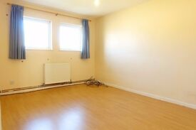Large double room to rent in Oldbrook £500