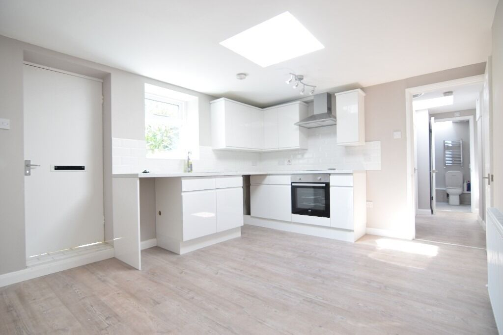 MODERN NEWLY BUILT FOUR BEDROOM FLAT- AVAILABLE NOW P459