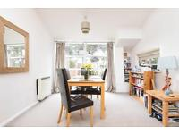 2 bedroom flat in Russell Court, St Margaret Road, Oxford