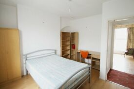 Gorgeous split level three bedroom flat with a separate lounge on Caledonian Road in Islington N1