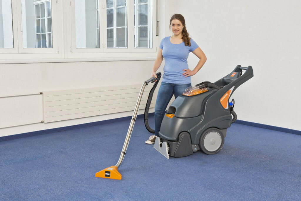 Taski Procarpet 30 With Wand Solution And Vacuum Hose In