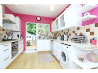 5 Double Bedroom House with Private Garden close to Manor House Station