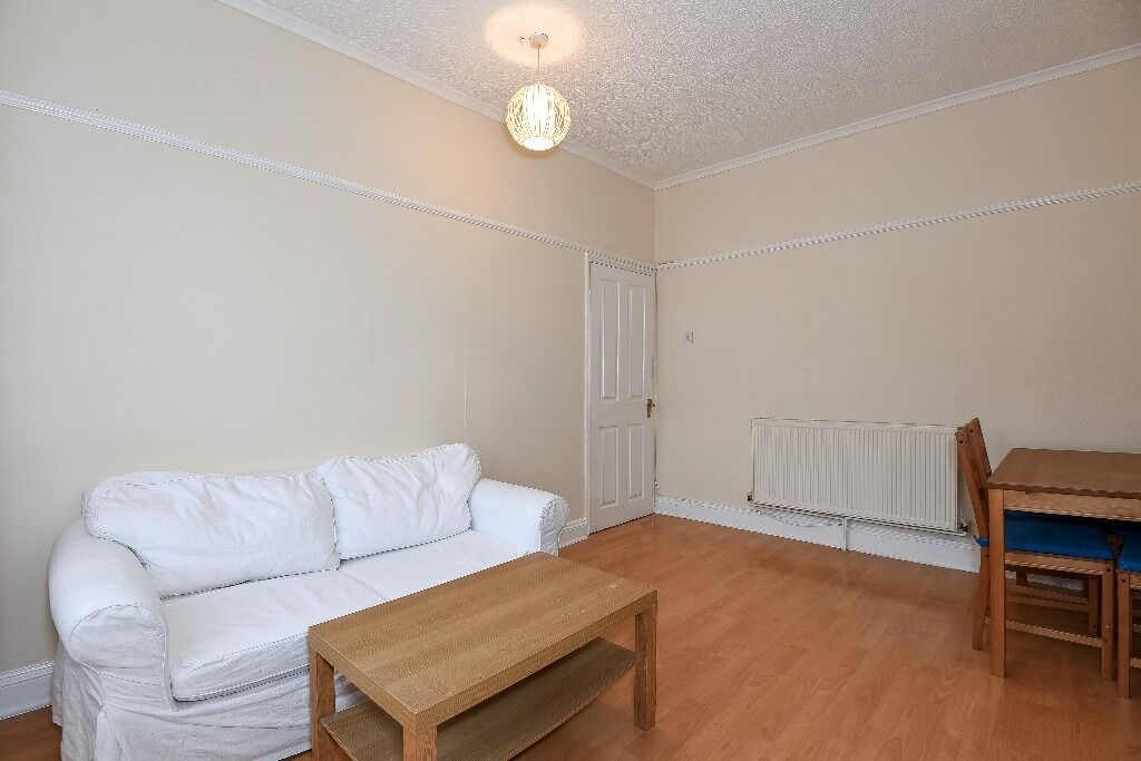 Two Double Bedroom Flat, Fernthorpe Road, Tooting SW17, £1295 Per Month