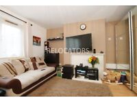 LARGE BRIGHT STUDIO FLAT TO RENT WITH SEPARATE KITCHEN CLOSE TO TUBE AND QUEEN MARY UNIVERSITY
