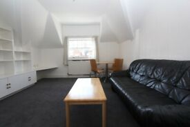 MA9 - Spacious Bright Quiet ONE BED FLAT (3rd Floor) in West Kensington, W14