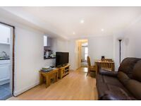 ***SANTLEY STREET, SW4 - A PERFECT LARGE 1 DOUBLE BED GROUND FLOOR FLAT WITH PRIVATE GARDEN***