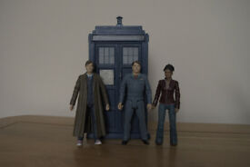 DR WHO TARDIS AND ACTION FIGURES