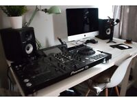 XDJ RX2, HDJ X5 Headphones & 2 Pioneer S-DJ50X speakers. Decks, Beginner, controller