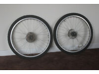 2x Mountain bike wheels (26 x 19.5 in) (disc brakes)