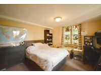 *LARGE TWO BEDROOM FLAT IN WEST EALING AVAILABLE BEGINNING OF SEPTEMBER*