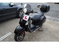 Piaggio Vespa GTS 125 moped/scooter