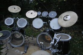 Pearl Export drum kit, gloss black, very good condition