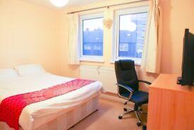 Luxury large room for professional person, Very Clean,Fibre Optic, EU,AU,CA preferred please.