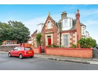 3 bedroom detached house in Saltcoats, newly furnished and painted, close to beach, shops.