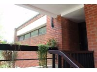 Short term let in Sydenham (Oct-Jan 2017). Light and spacious second floor maisonette apartment.