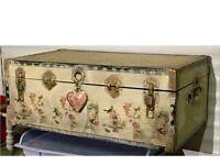 Vintage trunk/ storage coffee table