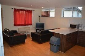 Fully Furnished Double Rooms to Rent In Roath/Cyncoed Cardiff – All Inclusive and NO FEES!!!