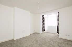 A New Luxurious 3 Bedroom Flat Available E1 NO DEPOSIT REQUIRED!
