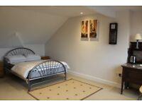 Spacious Bedroom with En-suite shower room close to amenities in Newbury
