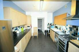 Spacious single close to centre £75 pw