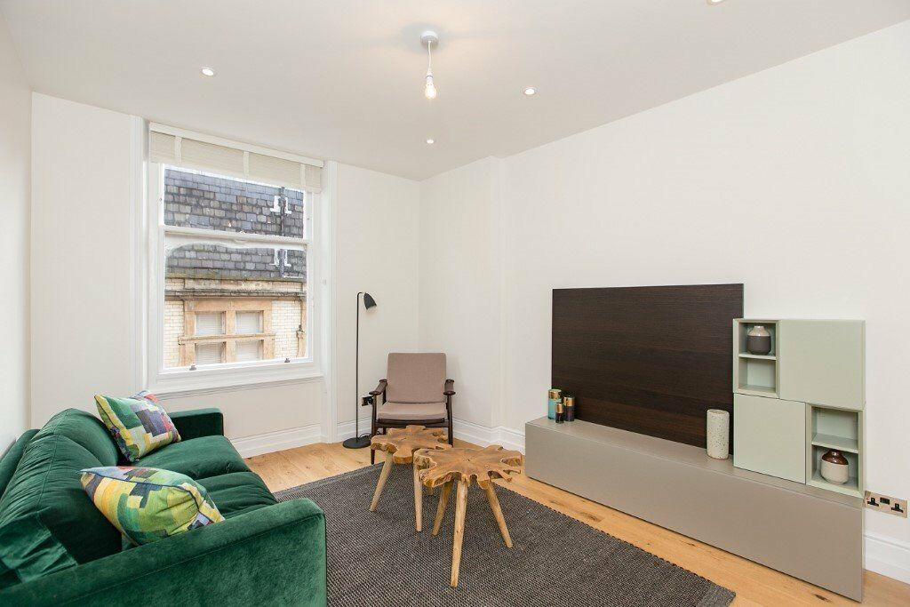 BRAND NEW APARTMENT, PORTER, TWO DOUBLE BEDROOM, MODERN KITCHEN, MOMENTS FROM TUBE