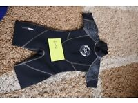 Kids wet suit approx 2-3yr