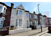Large 4 bed 2 bath house in West Croydon