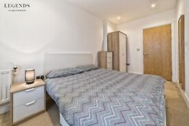 NICE DOUBLE ROOM ON THE MAIN STREET - ZONE 1 - AVAILABLE FROM TODAY - SINGLE USE ONLY