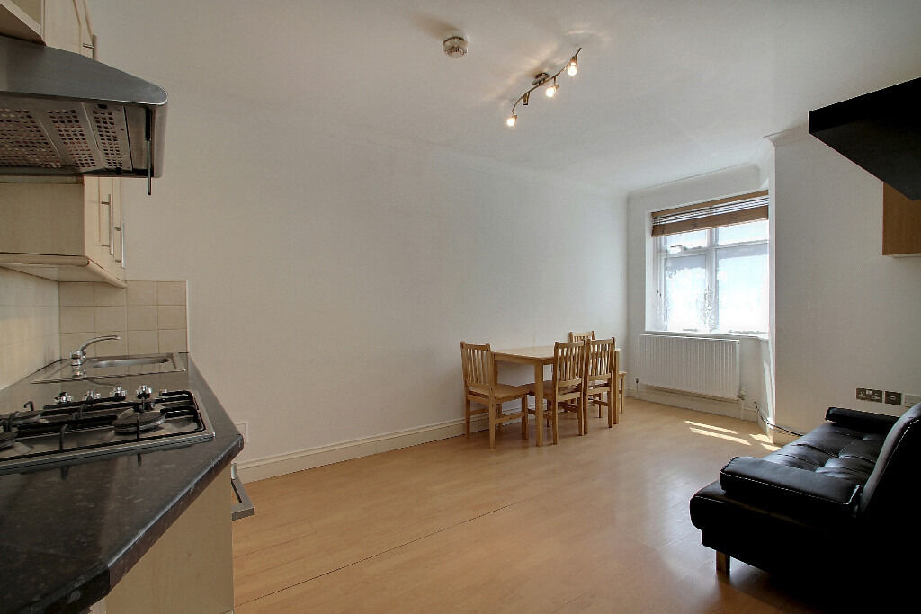 TWO BEDROOM FLAT WITH GARDEN TO RENT IN HENDON