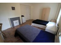 Stunning XL Size Twin Room close to Camden High Street, 5min from underground, 39C