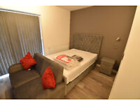 Flat B, Ensuite Room Available