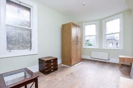 MUST BE SEEN!*Two spacious double bedrooms *Master bedroom with an abundance of storage* BARCOMBE