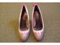 Peacocks new ladies size 5 high heel shoes