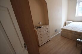 Double Room Now Available, Tower Bridge, All Bills, Wifi and Cleaning Service Incl