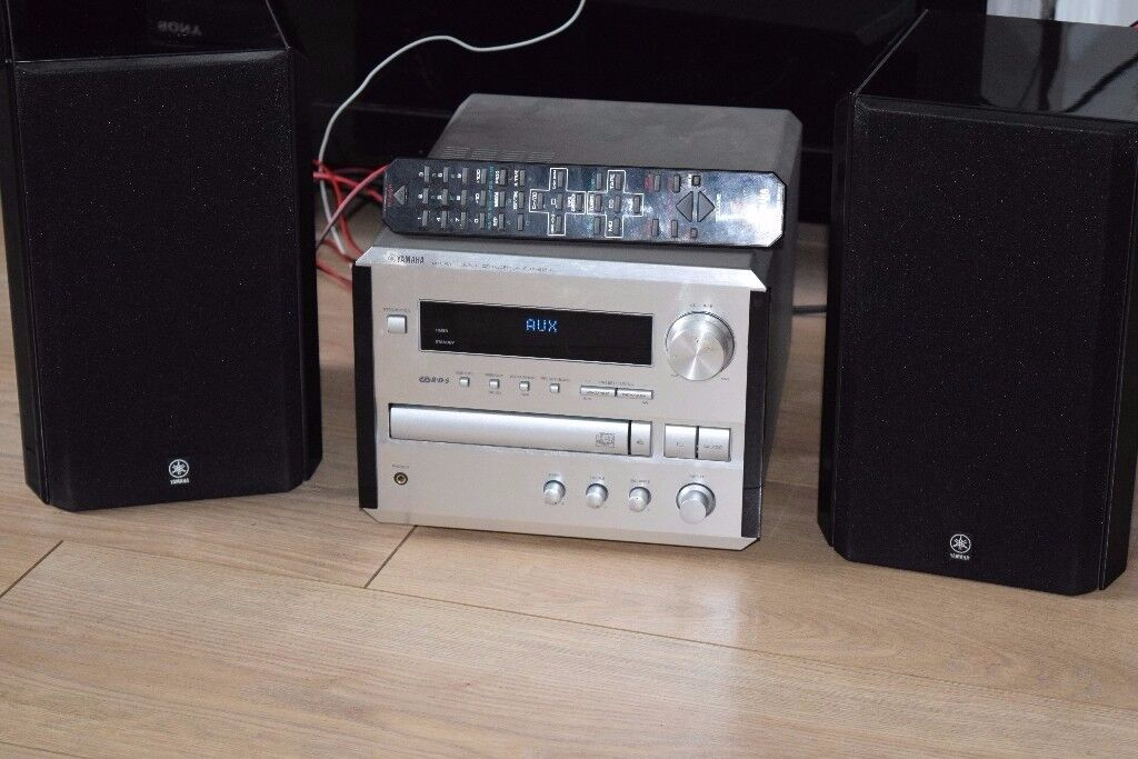 YAMAHA CD RADIO 70W AUXIN REMOTE/PLAY IPODPHONE CANBE SEEN WORKING